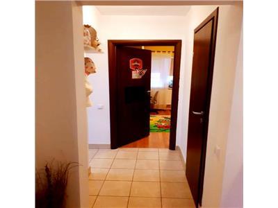 Vanzare apartament 3 camere piata delfinului / mega mall