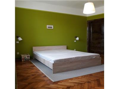 Apartament 4 camere Armeneasca, decomandat , mobilat modern