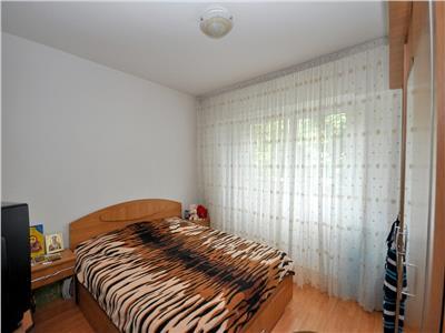 Drumul taberei favorit apartament 4 camere bloc 1978