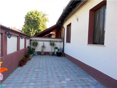 Casa cocheta 3 camere p+m totul nou drumul taberei / razoare