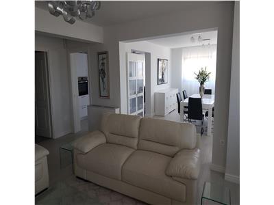 Inchiriem apartament cu 4 camere SUPER LUX