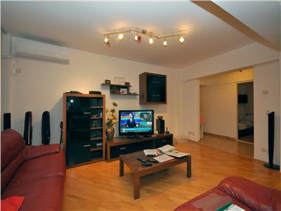 Crangasi vanzare apartament 4 camere decomandat