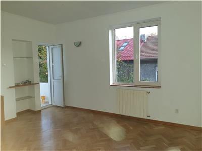 Apartament 2 camere renovat etaj 1, zona Floreasca