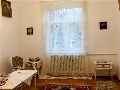 Inchiriere casa cocheta Vatra Luminoasa ideala birou/resedinta/cabinet