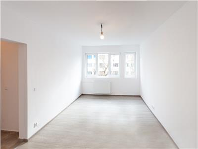 Apartament 3 camere etaj 4/10 renovat complet - Parc Titan