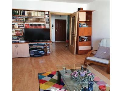 Apartament 3 camere 7/8 - bloc 1982 - str. Murgeni - Basarabia