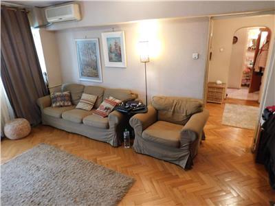 Apartament 3 camere bloc 1982 - bl. basarabia - titan