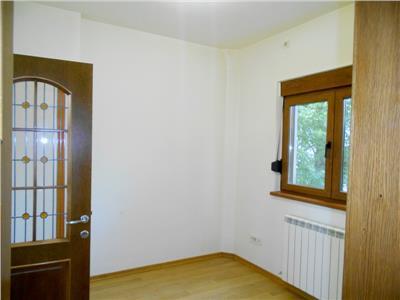Spatiu 5 camere etaj 2 in vila carol davila / arenele bnr