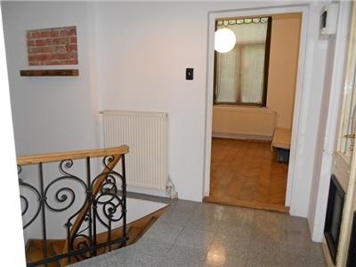 Casa perfecta pentru birouri D+P+M PARCUL CISMIGIU / BERZEI birouri