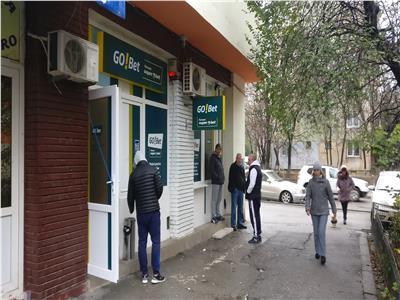 Teiul Doamnei Spatiu comercial de inchiriat 35mp doua intrari stradale
