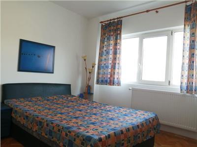 Camera in apartament decomandat de 2 camere  zona Tineretului