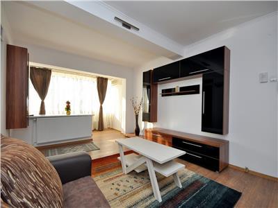 Piata Romana apartament 3 camere modernizat