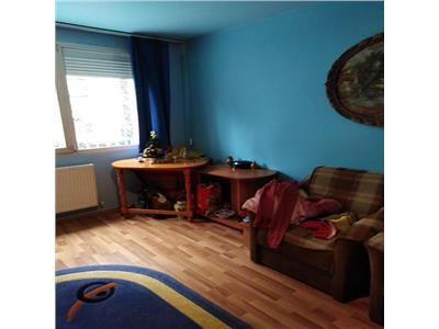 Vanzare apartament 2 camere ,decomandat parter din 4 ,Titan