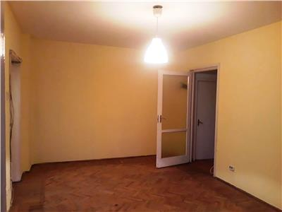 Apartament 2 camere -  etaj 1- metrou obor