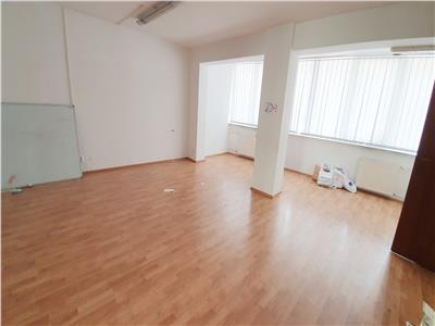 Apartament 4 camere plus 12mp curte cotroceni palat