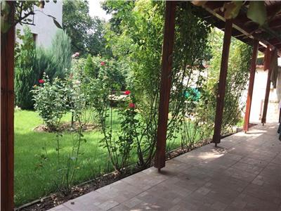 Casa de inchiriat Baneasa lac | Curte 600 mp| Nou renovata | Garaj