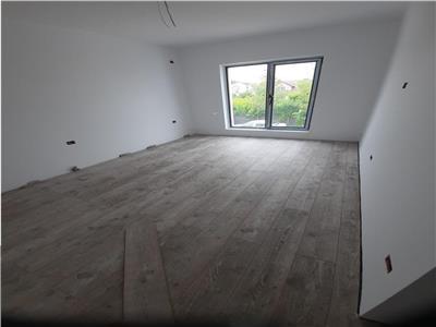 Vila superba tip duplex, 4 camere plus mansarda, curte 280 mp