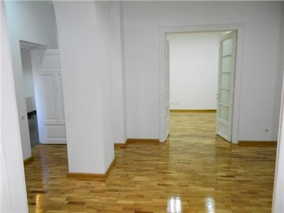 Casa cocheta ideala pentru birouri CALEA CALARASILOR
