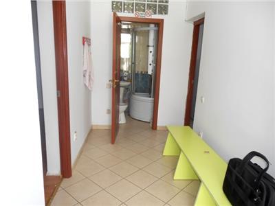Casa 3 camere singur curte ideala birouri STIRBEI VODA