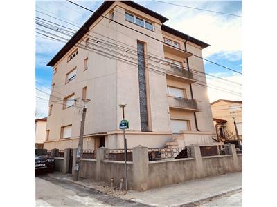 Vanzare vila Unirii-Cosbuc pretabil birouri,clinica,salon, apart hotel