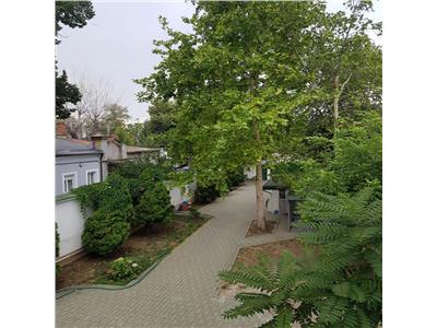Vanzare apartament  3 camere ,in vila  147 mp,ferdinand-mihai bravu