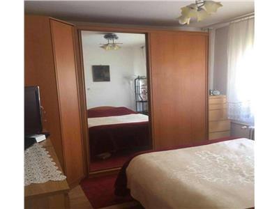 Vanzare apartament cu 3 camere, zona Tineretului