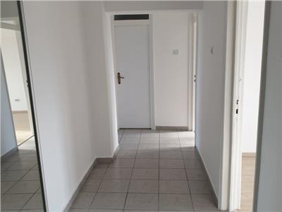 Inchiriere apartament 4 camere decomandat spatios Sebastian