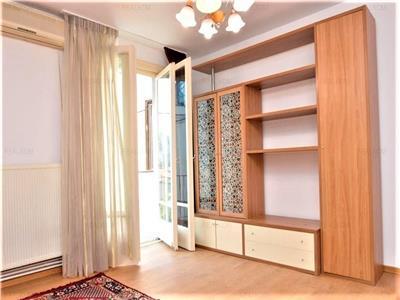 Apartament 3 camere - Metrou Universitate
