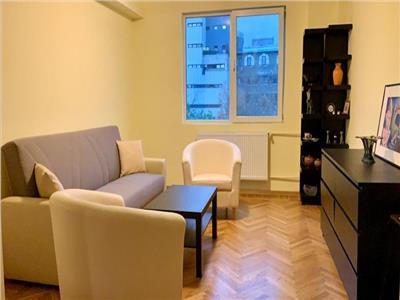 Vanzare apartament 3 camere Unirii, Piata Constitutiei