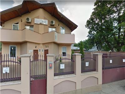 Vila de inchiriat pentru clinica, firma, birouri plaza mall