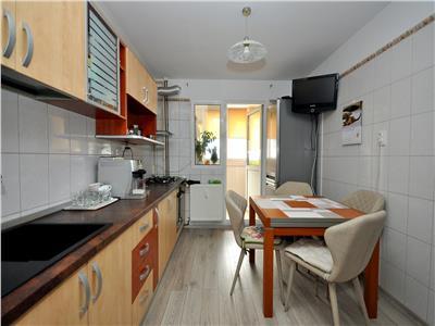 Crangasi vanzare apartament 4 camere