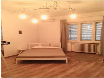 inchiriere apartament 4 camere,Universitate, circular, pentru 4-5luni