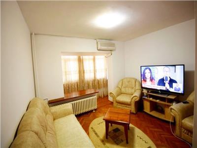 Inchiriere apartament 4 camere foarte generos Piata Unirii / Coposu