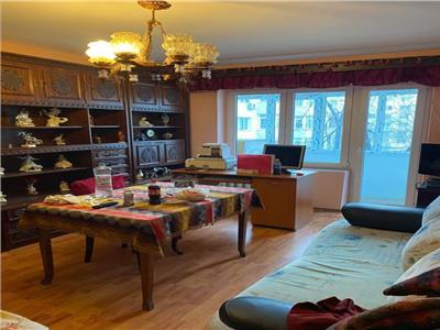 Vanzare apartament 3 camere decomandat Kaufland Vitan