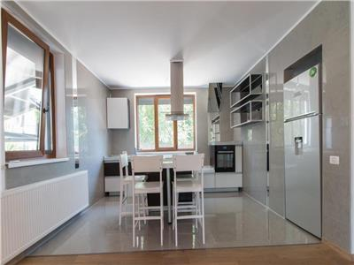 Vila eleganta in duplex perfecta pentru resedinta Pipera / Jolie Ville
