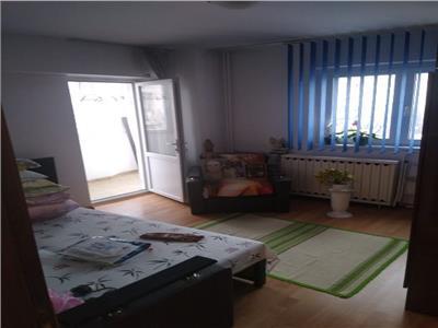 Vanzare apartament 3 camere ,etaj 5, zona PANTELIMON