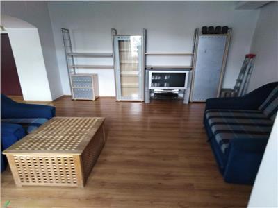 Vanzare apartament 3 camere , etaj 1,bloc Rusesc , Victor Manu