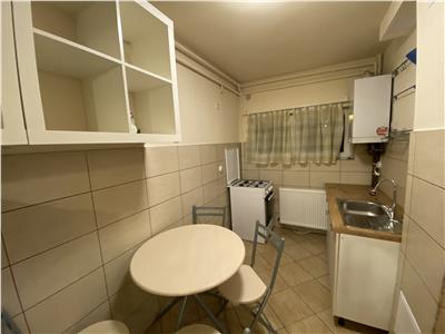 Apartament de inchiriat, cu 2 camere, decomandat, in Aleea Cornisa