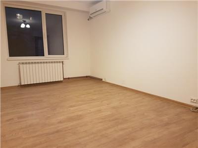 Vanzare apartament 3 camere decomandat aparatorii patriei