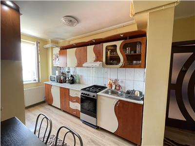 Apartament de vanzare cu 3 camere mobilat si utilat, in 7 noiembrie