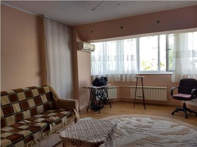 Apartament 3 camere in apropiere de Mall Vitan aproape de statia STB
