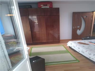 Vanzare apartament 3 camere ,etaj 5, zona  Sos PANTELIMON