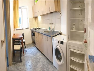 Inchiriere apartament 3 camere decomandat Plaza Romania