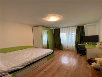 Vanzare apartament 4 camere Titan bloc 1984 zona Fizicienilor