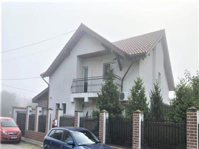 Vanzare Vila 5 camere 220 mp   Centrala   Garaj    1 Decembrie Ilfov