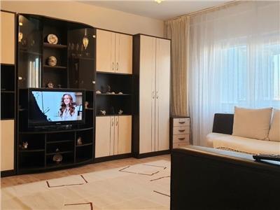 Apartament 3 camere decomandat cu centrala calea vitan