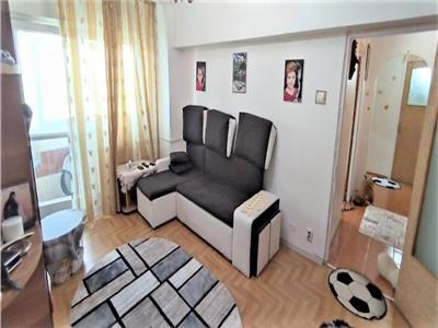 Vanzare apartament 3 camere bloc 1986 Titan zona Bd 1Dec18 Piata Minis