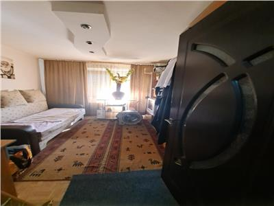 Ghencea capatului 41 apartament 3 camere decomandat de vanzare