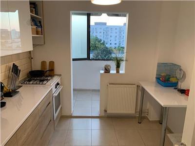 Apartament 3 camere - renovat - 1 Decembrie - Titan
