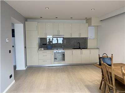 Inchiriere apartament 2 camere decomandat Baicoi Prahova